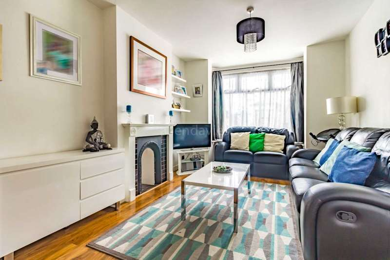 3 Bedrooms Terraced House for sale in CARY ROAD E11