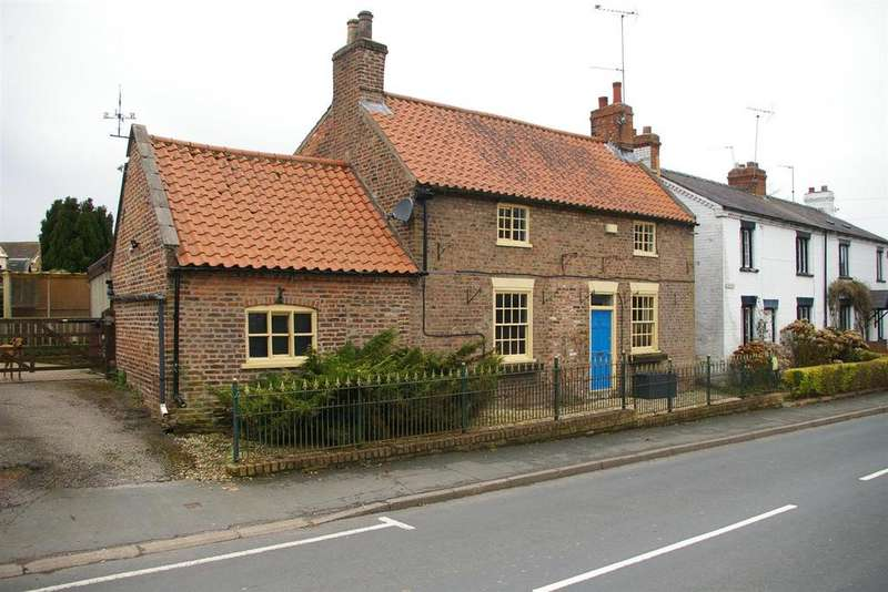 3 Bedrooms Detached House for sale in Jasmine Cottage, Main Street, Cherry Burton, Beverley, HU17 7RF