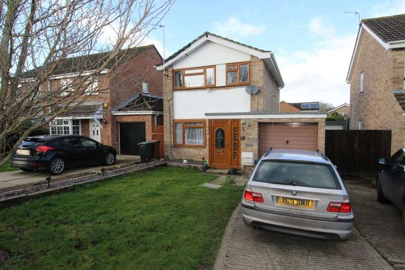 3 Bedrooms Detached House for sale in Martin Way, Calne, SN11