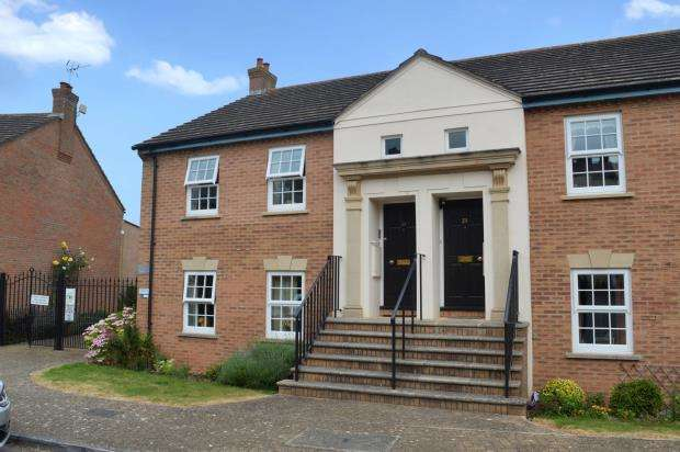 2 Bedrooms Flat for sale in Eastgate Gardens, Taunton