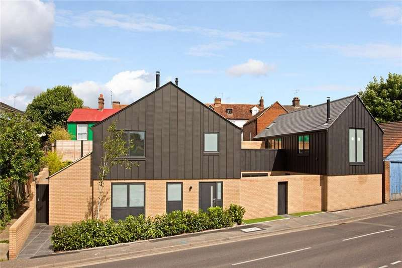 3 Bedrooms Detached House for sale in Bell Street, Great Baddow, Chelmsford, CM2