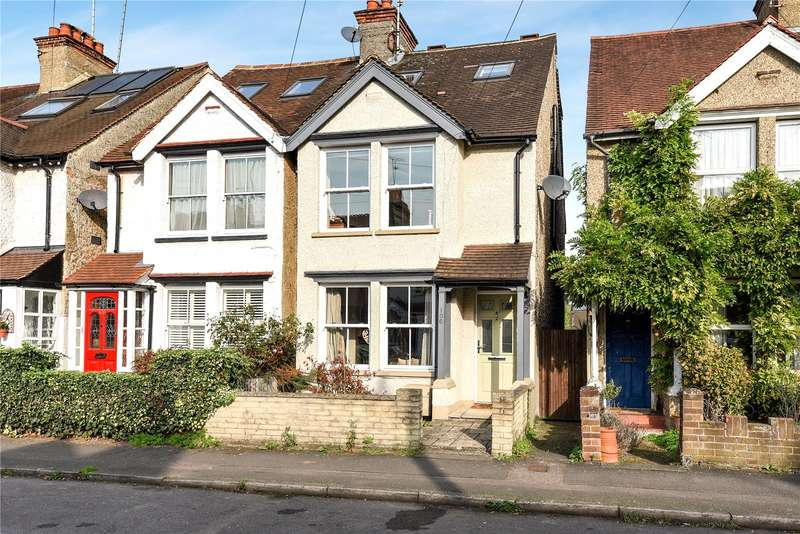 4 Bedrooms Semi Detached House for sale in Ebury Road, Rickmansworth, Hertfordshire, WD3
