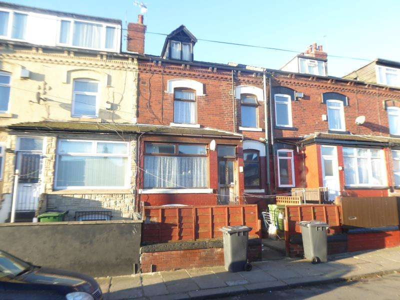 2 Bedrooms Terraced House for sale in Trafford Grove, Harehills, LS9