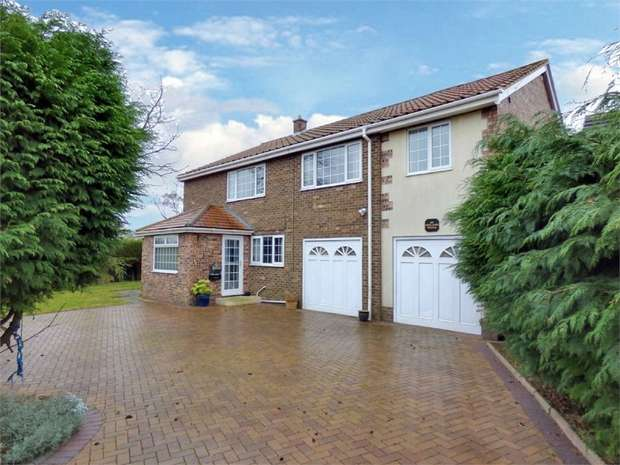 4 Bedrooms Detached House for sale in Newlands Avenue, Hartlepool, Durham