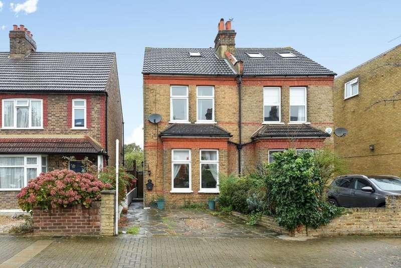 3 Bedrooms Semi Detached House for sale in Birkbeck Road, Beckenham
