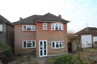 3 Bedrooms Detached House for sale in Westfield Avenue, Sanderstead, South Croydon, Surrey
