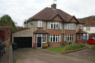3 Bedrooms Semi Detached House for sale in Arkwright Road, South Croydon