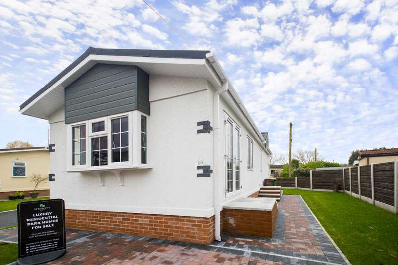 2 Bedrooms Bungalow for sale in CHESTERS CROFT RETIREMENT PARK, Cheadle Hulme