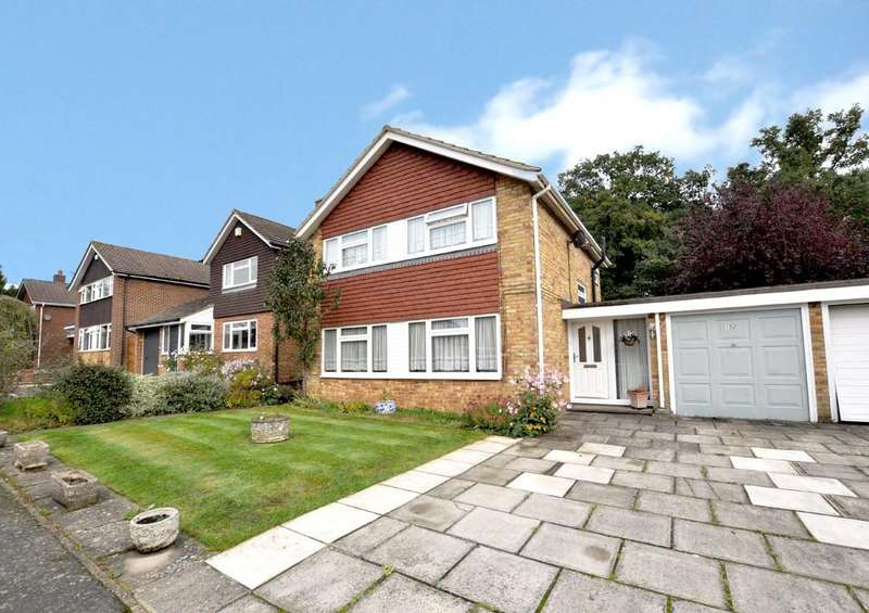 3 Bedrooms Link Detached House for sale in Gosden Hill Road, Guildford
