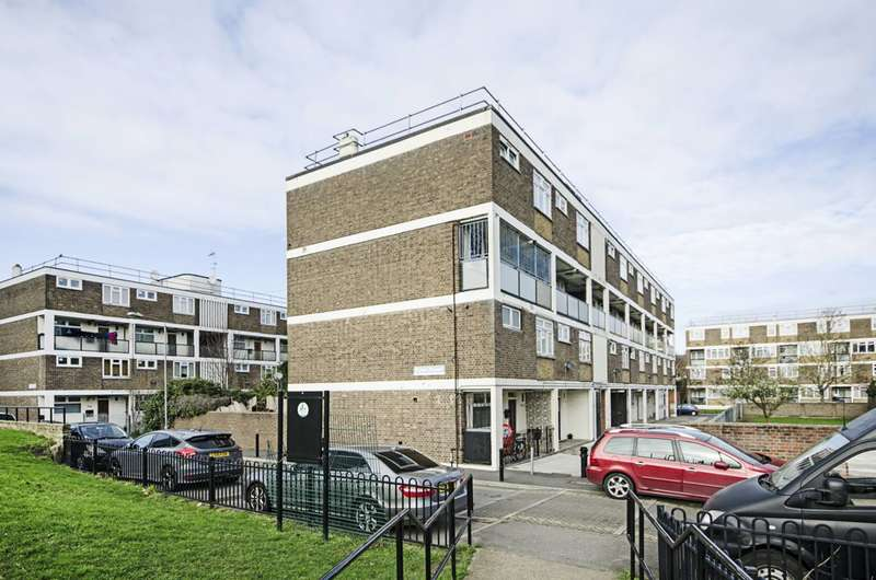 3 Bedrooms Flat for sale in Wick Road, Homerton, E9