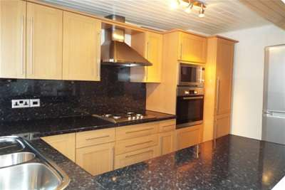 2 Bedrooms Town House for rent in Castle Mews, The Park, NG7 1EA