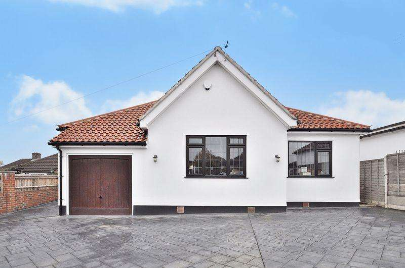 4 Bedrooms Detached Bungalow for sale in North Cray Road, Sidcup