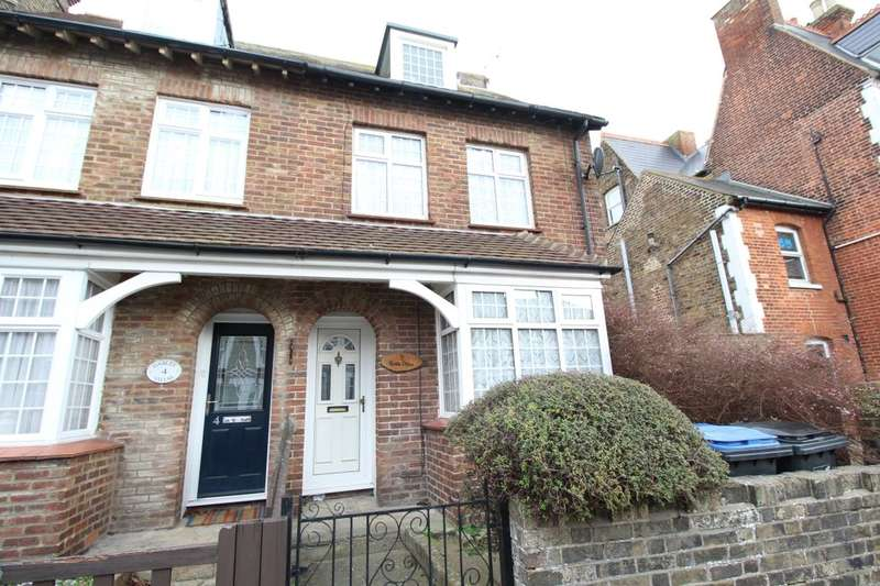 3 Bedrooms Semi Detached House for sale in Crescent Road, Ramsgate, CT11