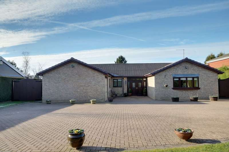 6 Bedrooms Detached Bungalow for sale in Parklands, Darras Hall, Newcastle Upon Tyne, NE20