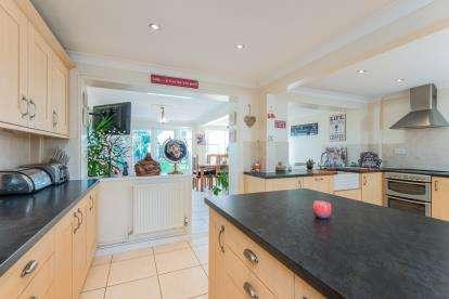 3 Bedrooms Semi Detached House for sale in Hellesdon, Norwich, Norfolk