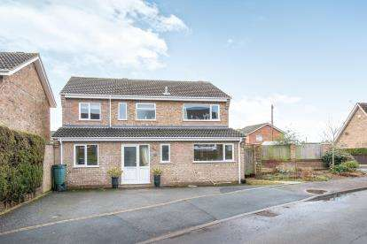 4 Bedrooms House for sale in Taverham, Norwich, Norfolk
