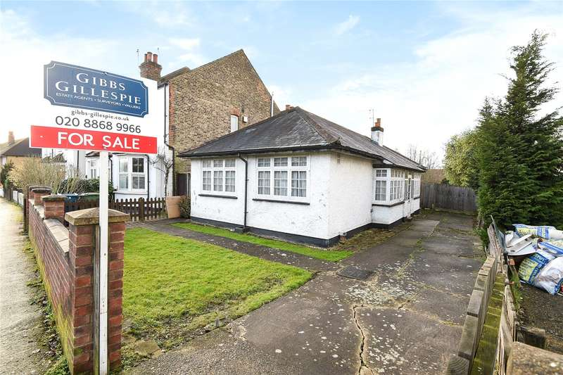 3 Bedrooms Detached Bungalow for sale in South Vale, Harrow, Middlesex, HA1