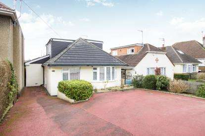 4 Bedrooms Bungalow for sale in Poole, Dorset