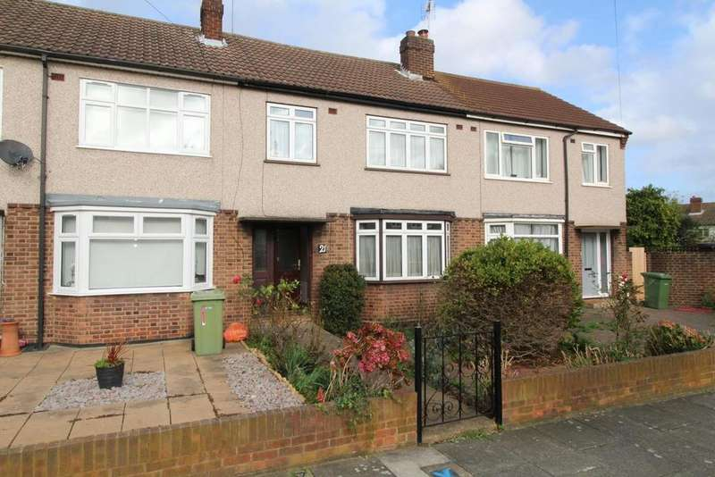 4 Bedrooms Terraced House for sale in Kennet Close, Upminster, Essex, RM14