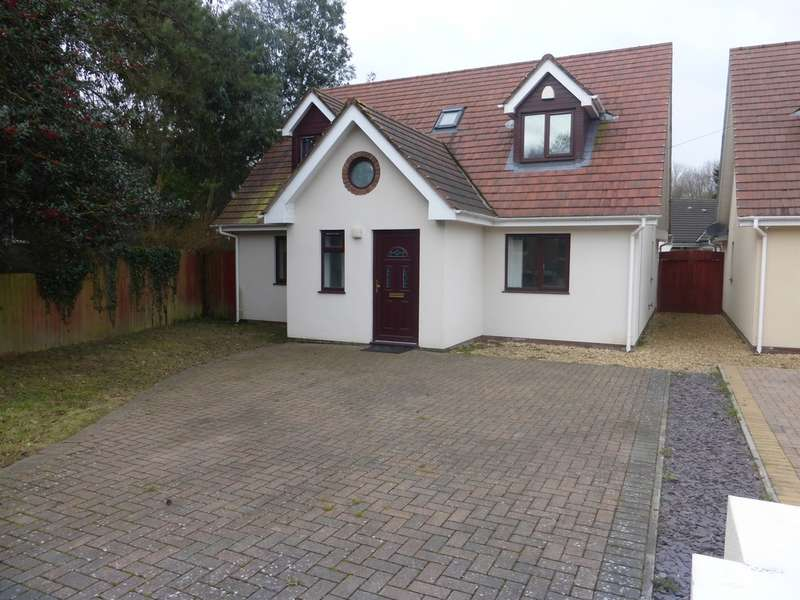 4 Bedrooms Detached House for sale in Old Newport Road, Old St. Mellons, Cardiff