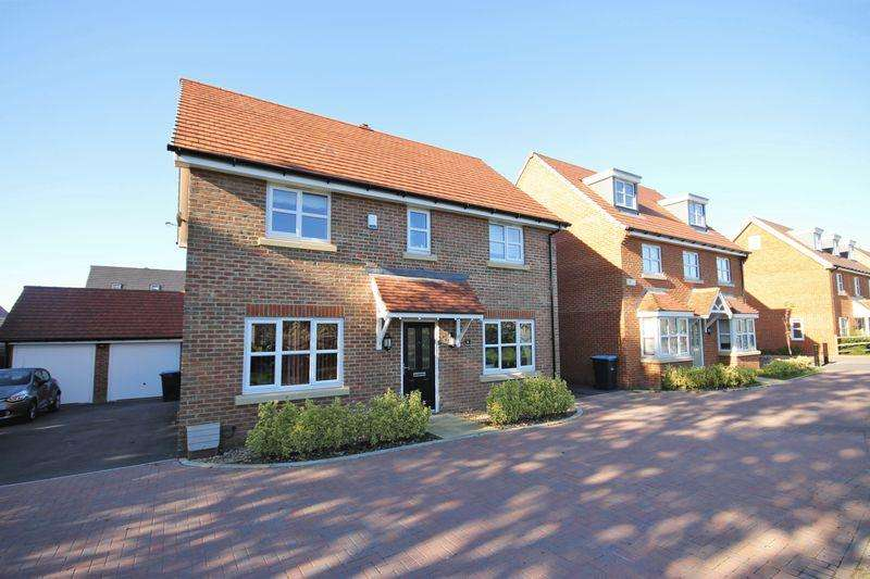 4 Bedrooms Detached House for sale in The Camellias, Burgess Hill, West Sussex