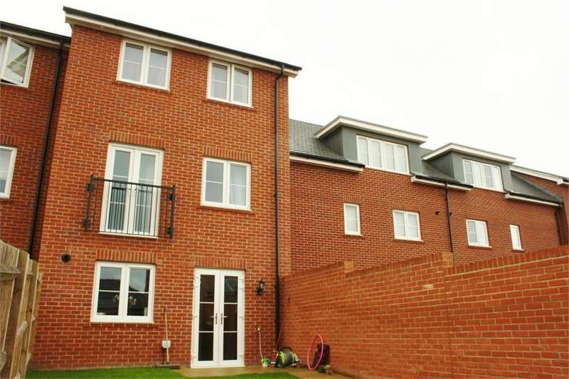 4 Bedrooms Terraced House for rent in Jubilee Drive, Church Crookham, Fleet, Hampshire