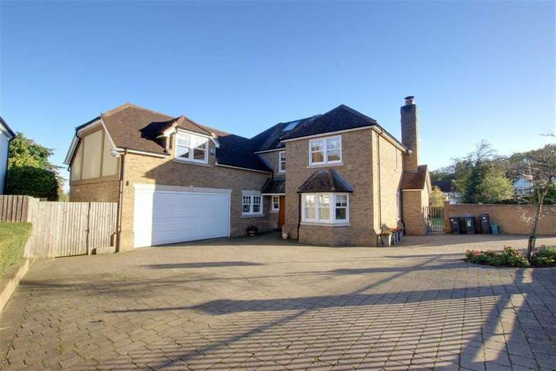 5 Bedrooms House for rent in Parkgate Crescent, Hadley Wood, Hertfordshire