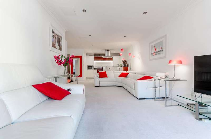 2 Bedrooms Flat for sale in Surbiton Plaza, Surbiton, KT6