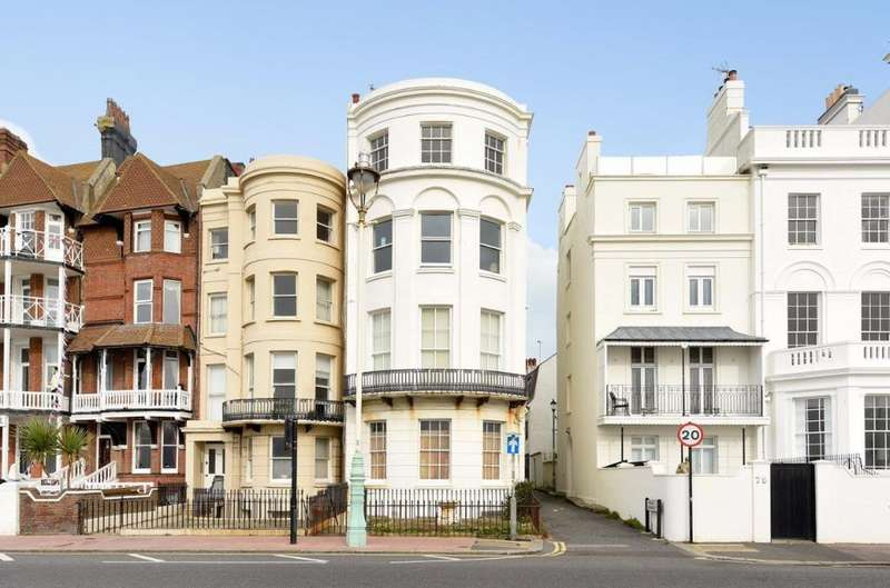 2 Bedrooms Flat for sale in Marine Parade Brighton East Sussex BN2