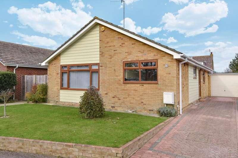 3 Bedrooms Detached Bungalow for sale in Andrew Avenue, Felpham, Bognor Regis, PO22