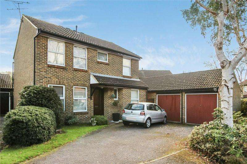 4 Bedrooms Detached House for sale in Burpham, Guildford
