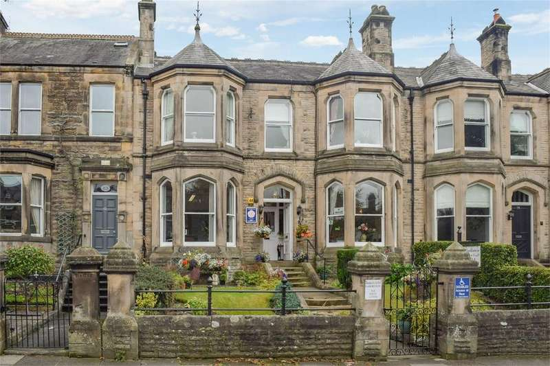 6 Bedrooms Terraced House for sale in 81 Galgate, Barnard Castle, Durham