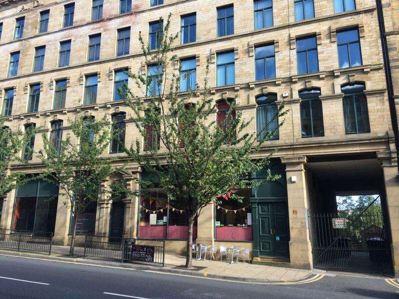 2 Bedrooms Apartment Flat for sale in Hennymoor House, Bradford, Completed Development with 8% Net yield guaranteed for 3 years