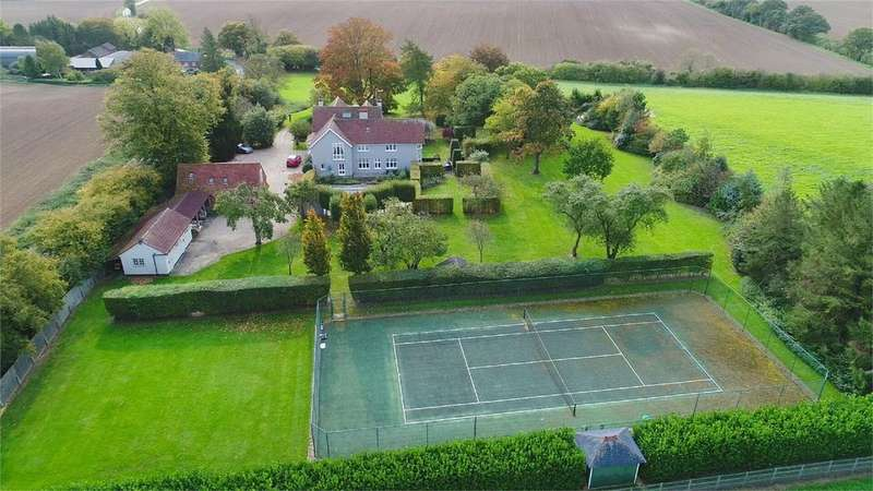 5 Bedrooms Detached House for sale in Highlands, Berden, Bishop's Stortford