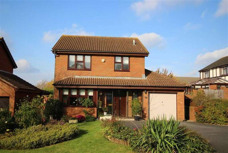3 Bedrooms Detached House for sale in Nourse Close, Leckhampton, Cheltenham, GL53