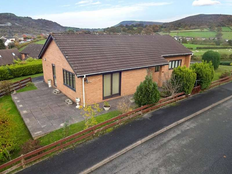 3 Bedrooms Detached Bungalow for sale in Pen Y Bryn, Builth Wells, Powys