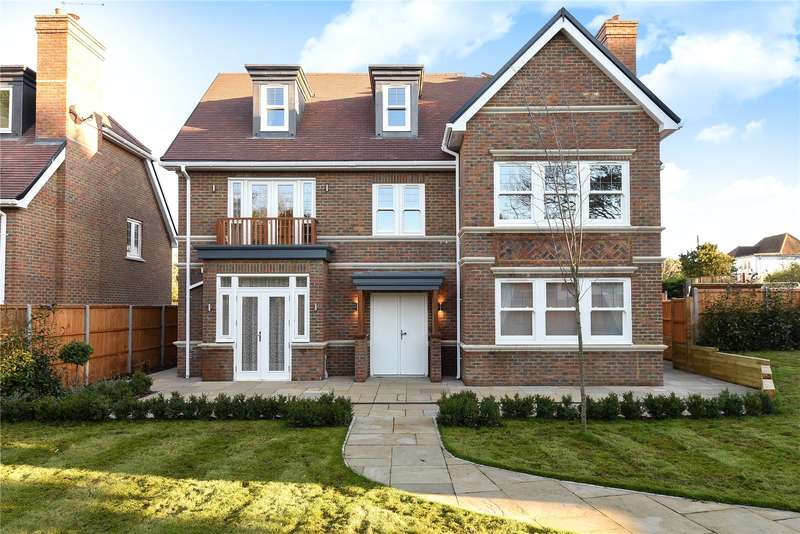 5 Bedrooms Detached House for sale in Pinner Road, Watford, Hertfordshire, WD19