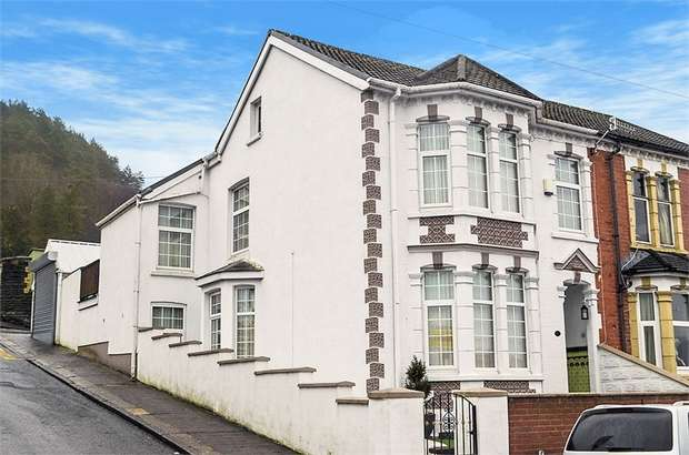 3 Bedrooms Semi Detached House for sale in Richmond Road, Six Bells, Abertillery, Blaenau Gwent
