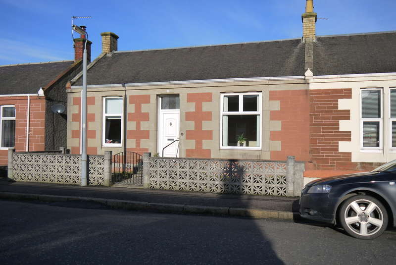 2 Bedrooms Semi Detached Bungalow for sale in Bank Street, Prestwick, KA9