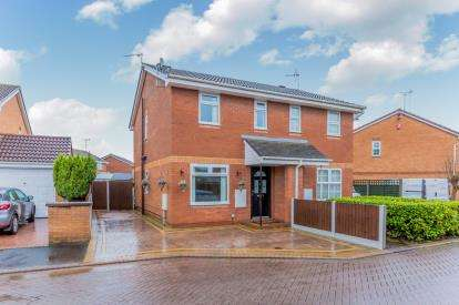 2 Bedrooms Semi Detached House for sale in Padworth Place, Leighton, Crewe, Cheshire