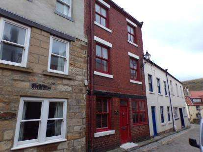 3 Bedrooms Terraced House for sale in High Street, Staithes, Saltburn-By-The-Sea, North Yorkshire
