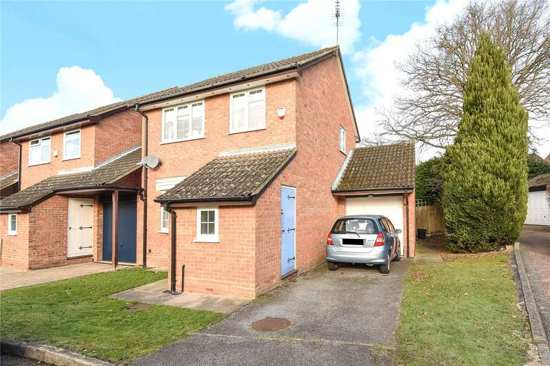 3 Bedrooms Link Detached House for sale in Fleet Close, Ruislip, Middlesex, HA4