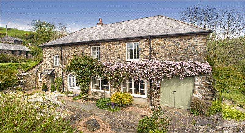 3 Bedrooms Detached House for sale in Heasley Mill, South Molton, Devon, EX36