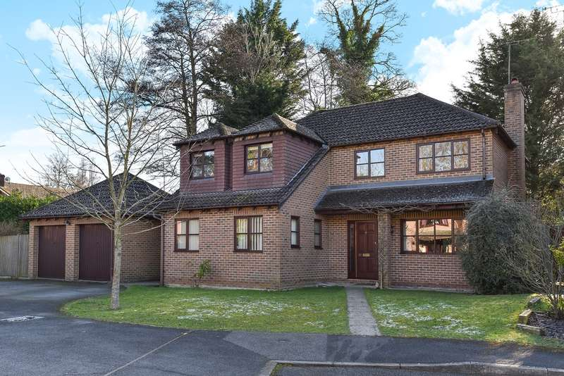 4 Bedrooms Detached House for sale in Benson Road, Crowthorne, RG45