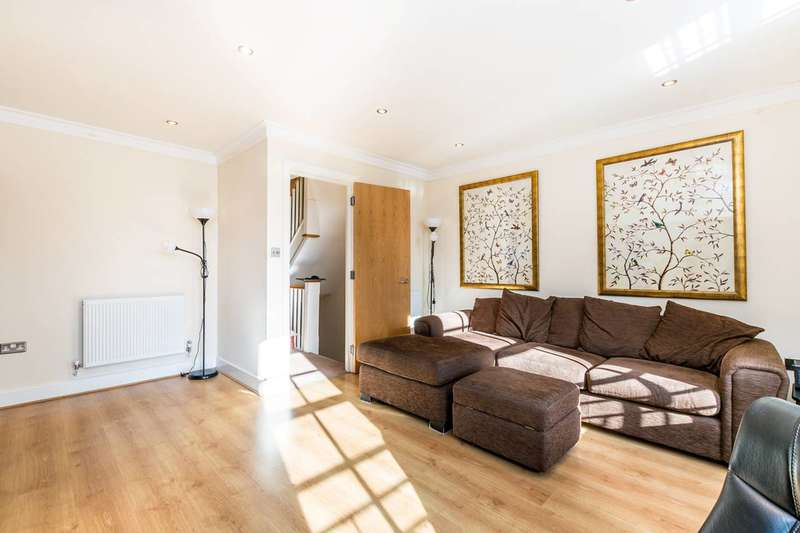 3 Bedrooms House for rent in Abbey Mews, Isleworth, TW7