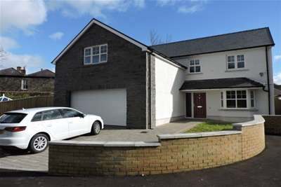 4 Bedrooms Property for rent in Maes Y Glyn, Johnstown