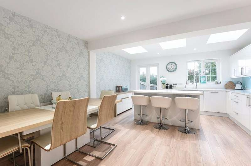 3 Bedrooms Semi Detached House for sale in The Grange Hurstpierpoint West Sussex BN6