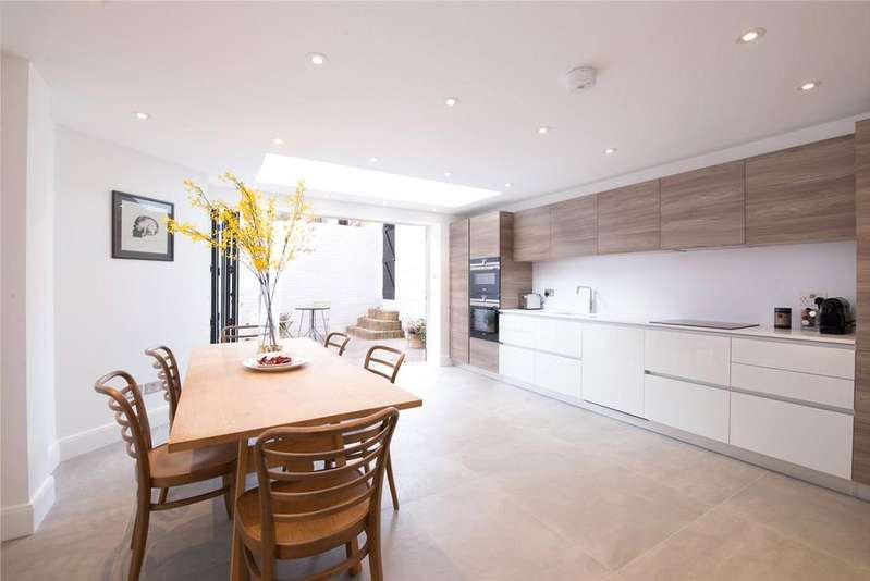 4 Bedrooms End Of Terrace House for sale in Knivet Road, Fulham Broadway, Fulham, London, SW6