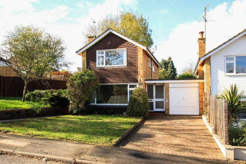 3 Bedrooms Link Detached House for rent in Lombardy Drive, Berkhamsted HP4