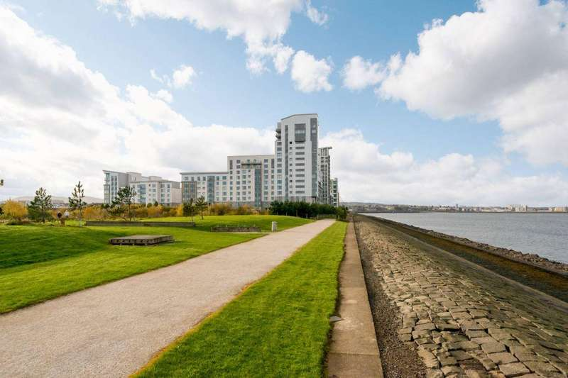 3 Bedrooms Flat for sale in 9/8 Western Harbour View, Edinburgh, EH6 6PG
